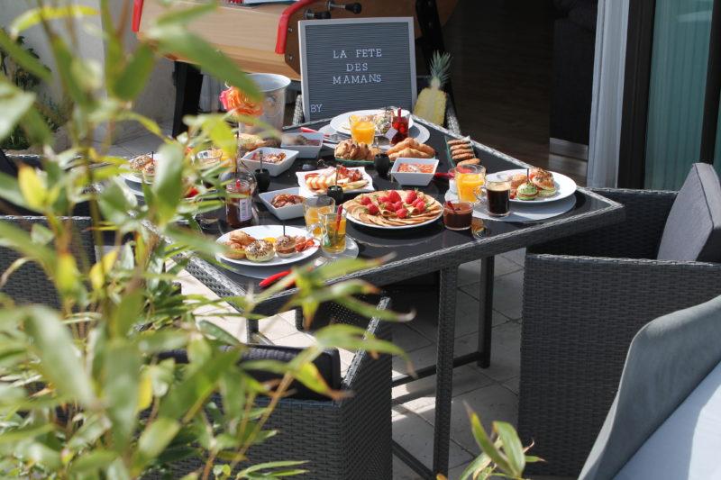 «Oh My Brunch» s'associe avec la boulangerie «Les Délices de Thouaré» située à Thouaré sur Loire, le dimanche 27 mai prochain à l'occasion de la fête des mères. Profitez d'un… Lire la suite